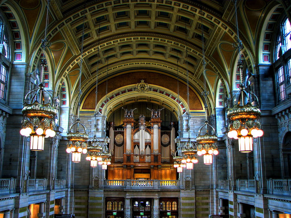 1024px-Kelvingrove_Art_Gallery_and_Museum_2