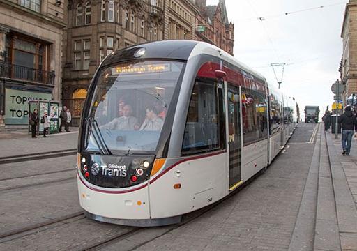 St-Andrew-Square_Tram