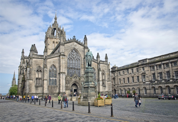 St Giles Royal Mile Kenny Lam_986223228
