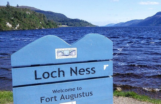 loch-ness-sign-fort-augustus