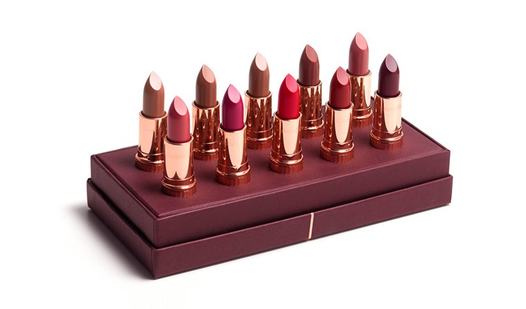 CharlotteTilbury-kissing-Luxury-Lipstick
